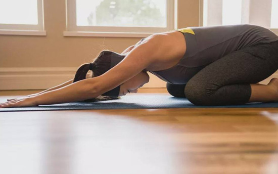 练瑜伽 无法减重_练瑜伽发朋友圈说说 简单一句瑜伽心语-心情说说