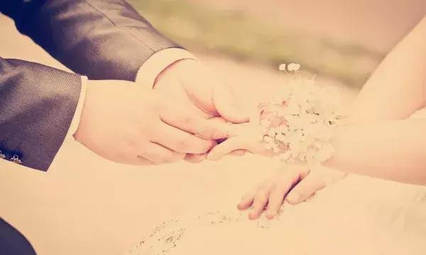 温暖爱情说说简短心情短语 温暖有爱的说说短句