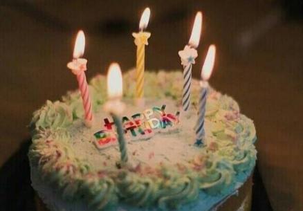 生日牌8字创意 生日短句8个字暖心